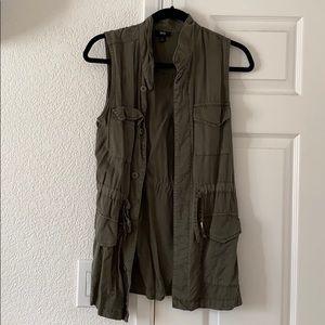 Utility vest.